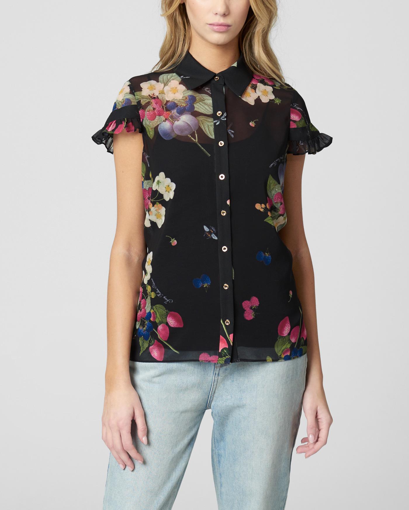 Блузка с ягодным принтом
