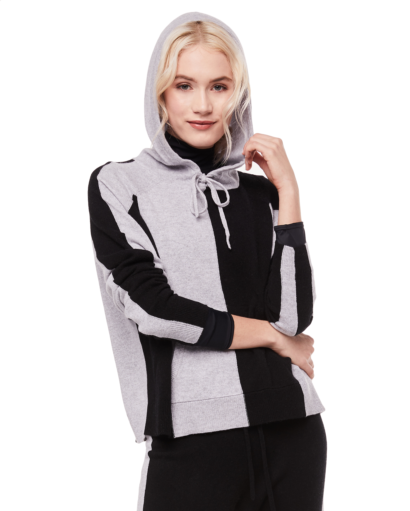 Толстовка Cashmere Colorblocked Hooded